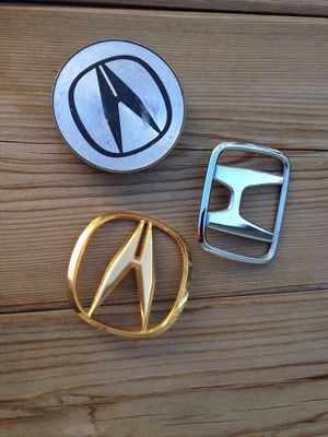 ACURA HONDA PARTS Honda Acura emblem sign Acura center cap coin holder steering wheel cover for Sale in Glendale, CA