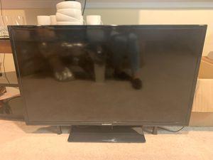 40 inch element tv for Sale in Acworth, GA
