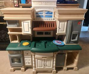 Huge Step 2 Deluxe Kitchen Kid's Play Pretend Kitchen for Sale in Talladega Springs, AL
