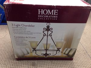 HOME DECORATORS COLLECTION 3 LIGHT CHANDELIER for Sale in Taylor, MI