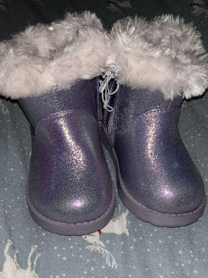 Baby girls winter boot size 4 for Sale in Bloomington, CA