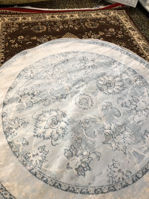 6 x 6 nice new persian design round rug. for Sale in Beverly Hills, CA
