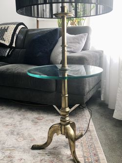 Vintage Mid Century Brass Floor Lamp for Sale in Los Angeles,  CA