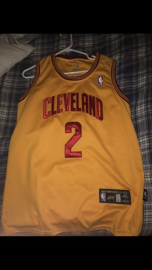 Reeboks classic kyrie Irving jersey. Says xl fits more like large for Sale in Las Vegas, NV