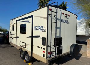 21 Foot 2017 Travel Trailer for Sale in Phoenix, AZ