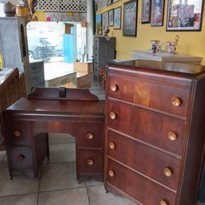 Antique ART DECO Waterfall Youth 2pc Vanity/Desk@4 Drawer Dresser..All Original Bakelite Handles .. Will Seperate $150 Each.. for Sale in Joliet, IL