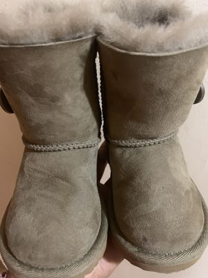 Toddler girl size 7c ugg boots for Sale in West Allis, WI