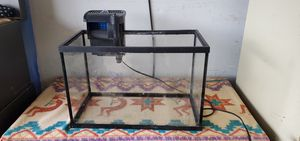 5 gallon fish tank with Topfin filter for Sale in LITTLETON, CO