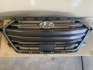 2017-2018 Hyundai Elantra grille assembly for Sale in Lake in the Hills, IL