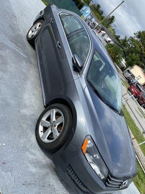 Volkswagen Passat . 2012 for Sale in Miami, FL