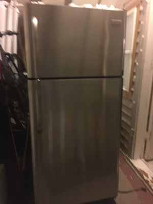 Stainless steel fridge for Sale in Chicago, IL