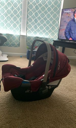 NUNA INFANT CAR SEAT for Sale in Largo, FL