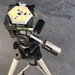 Professional Tripod Manfrotto for Sale in Los Angeles, CA