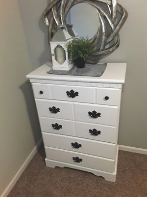 Nice white dresser for Sale in Puyallup, WA