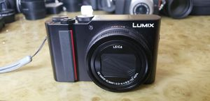 PANASONIC LUMIX ZS200 15X Leica DC Lens with Stabilization, 20.1 Megapixel 4K for Sale in St. Petersburg, FL