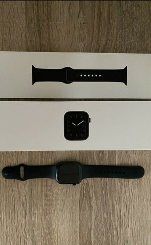 Apple Watch 5 40mm - Finance Option - Same Day Pickup for Sale in Portland, OR