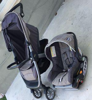 Coche car seat y base para el carro (marca bravo chico) for Sale in Miami, FL