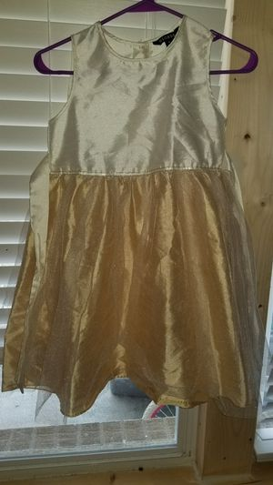Very cute dress , wore once size 10/12 for Sale in Sharon, TN