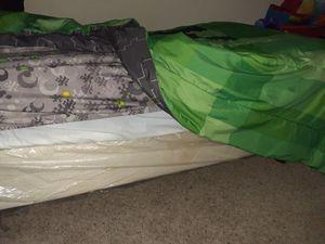 Twin size bed for Sale in Atlanta, GA