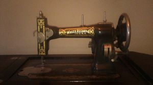White rotary Sewing machine for Sale in Seattle, WA