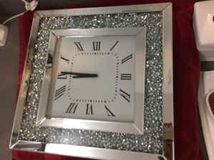 """Crystal mirrores clock wall decor new in box 20""""x20"""" for Sale in Fort Lauderdale, FL"""