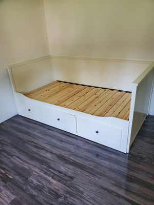 Twin bed-- trundles to full size for Sale in Washougal, WA