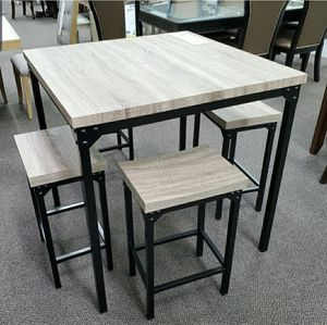 Dining table with 4 stools for Sale in Buena Park, CA