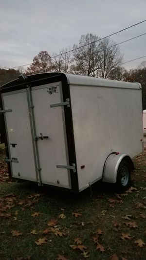6X10 enclosed cargo trailer (BRAKES) for Sale in Douglasville, GA