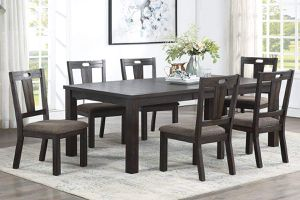 7 PIECE DINING TABLE CHAIRS LEAF / COMEDOR MESA SILLAS for Sale in Hemet, CA