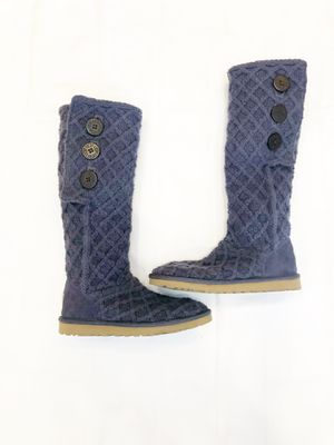 NWOT- UGG Classic Cardy - size 7 - Make an Offer for Sale in Westminster, CO