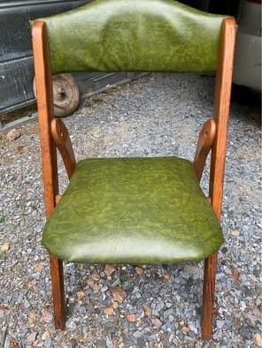 Antique Oak Chair for Sale in Rustburg, VA