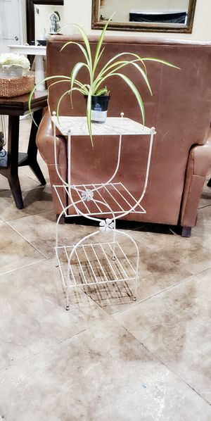 Metal Stand/side table $25 for Sale in Modesto, CA