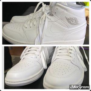 JORDANS ALL WHITE SIZE 11 for Sale in Avondale, AZ