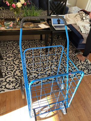 Shopping cart in good condition for Sale in Manassas, VA