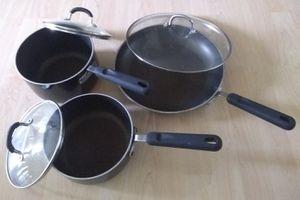 Non-stick Pan Set for Sale in Bellevue, WA