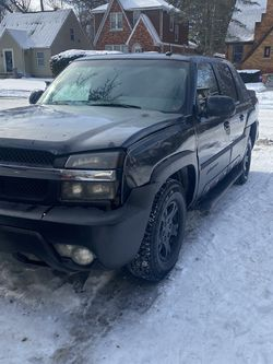 2003 Chevy Avalanche for Sale in Detroit,  MI
