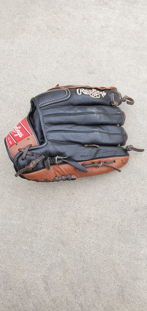 Rawlings (Left Handed) Baseball Glove for Sale in Bakersfield, CA
