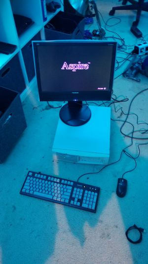 40 year old Acer Aspire Desktop (Working Condition!!!) for Sale in Odenton, MD