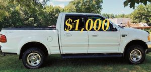 $1,OOO URGENT For sale 2002 Ford F-150 XLT Super Crew Cab 4-Door Pickup very clean condition for Sale in Fresno, CA