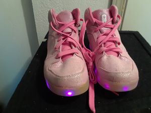 Tennis shoes girl lighs size 5 for Sale in Bellevue, WA