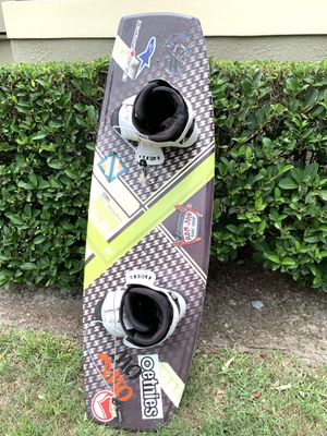 Hyperlite wakeboard 130 cm- comes with 2 vests for Sale in Longwood, FL