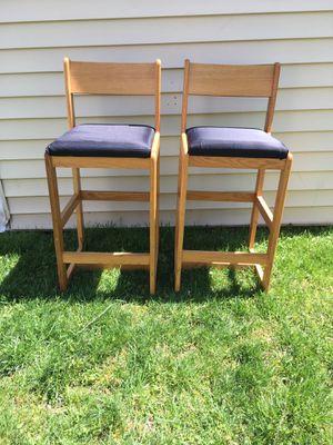 Black cushion wooden bar chairs high end for Sale in Alexandria, VA