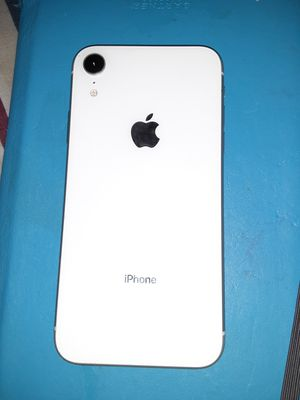 iPhone XR, White, 64GB for Sale in Portsmouth, VA