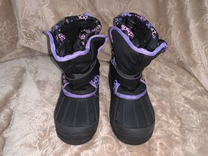 Athletech- snow boots sz 4 girls for Sale in New Haven, CT