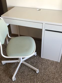IKEA Desk With Chair for Sale in Springfield,  IL