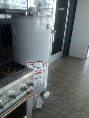 Hot water heater. for Sale in Dearborn, MI