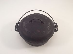 Griswold no 7 Tite-top Dutch Oven for Sale in Durham, NC