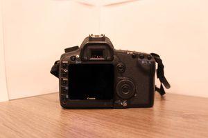Canon 5d MKII full frame *low shutter* for Sale in Glendale, AZ