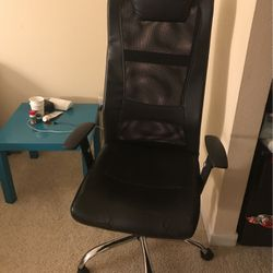 Chair for Sale in Bellevue,  WA
