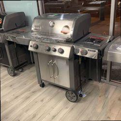 WEBER GENESIS 2 PROPANE GRILL 55A65 for Sale in Long Beach,  CA